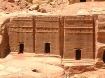 Calle de fachadas, Petra, Jordania Foto de archivo