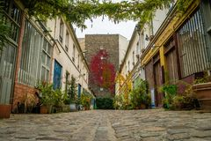 Calle de Figuier en el 11mo distrito de París Fotos de archivo