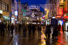 Calle de Grafton en la noche. Dublín. Irlanda fotos de archivo