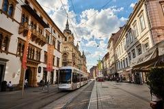 Calle de Herrengasse en la ciudad Graz Steiermark Fotografía de archivo