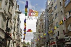 Calle de Istiklal durante el 5to Fest de las compras de Estambul Foto de archivo