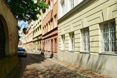 Calle de Kozia en Varsovia, Polonia foto de archivo libre de regalías