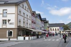 Calle de la ciudad del centro de Mondsee en Austria Imagenes de archivo