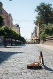 Calle de la ciudad vieja, Chernivtsi, Ucrania Foto de archivo libre de regalías
