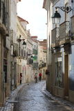 Calle de la ciudad vieja de Santarém Imagen de archivo libre de regalías