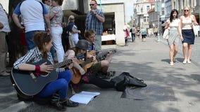 Calle de la música de la gente almacen de video