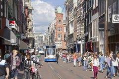 Calle de las compras de Amsterdam foto de archivo
