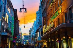 Calle de las compras en el centro de ciudad de Dortmund, Alemania Imagen de archivo libre de regalías