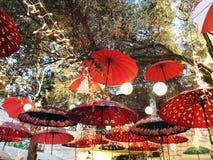 Calle de las decoraciones del día de fiesta para la Navidad en la colonia alemana en Haifa Imagen de archivo