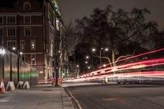 Calle de Londres en la noche Foto de archivo libre de regalías