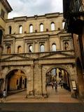 Calle de lujo de las compras vía Mazzini, Verona, Italia Imagen de archivo libre de regalías