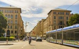 Calle de Maximiliano en Munich, Alemania Foto de archivo