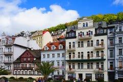 Calle de Mlynske de Karlsbad (Karlovy varía) Imagen de archivo libre de regalías