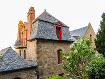 Calle de Mont Saint-Michel, Francia Foto de archivo
