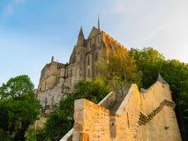 Calle de Mont Saint-Michel, Francia Imagen de archivo