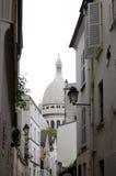 Calle de París Montmartre   imagen de archivo libre de regalías