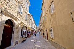 Calle de piedra vieja del Pag Fotos de archivo
