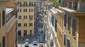 Calle de Roma con la gente, Italia almacen de video