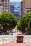Calle de San Francisco Cable Car Downhill Powell Imagen de archivo