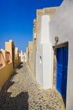 Calle de Santorini (Oia) - Grecia Foto de archivo libre de regalías