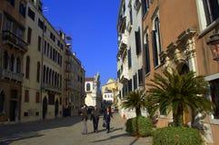 Calle de Venecia, Italia Fotos de archivo libres de regalías