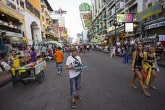 Calle del Backpacker de Bangkok del camino de Khao San Fotografía de archivo