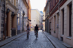 Calle del centro de ciudad de Riga Fotografía de archivo libre de regalías
