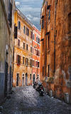 Calle del italiano de Trastevere Foto de archivo libre de regalías