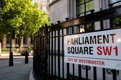 Calle del parlamento, muestra en la pared, Londres, Reino Unido Fotos de archivo