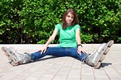 Calle del patín de la muchacha Fotos de archivo libres de regalías
