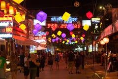 Calle del Pub de la noche, Siem Reap, Camboya Imagen de archivo libre de regalías