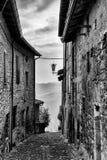 Calle del pueblo en Vigoleno Fotografía de archivo