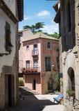 Calle del pueblo español, Barcelona imagenes de archivo