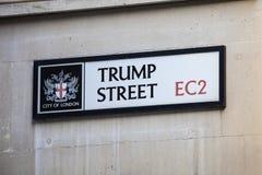 Calle del triunfo en la ciudad de Londres Fotografía de archivo