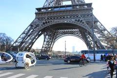 Calle dentro de la torre Eiffel Imagen de archivo