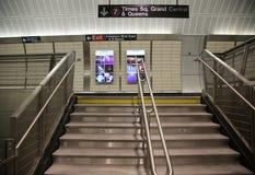 34 calle - diseño interior de la estación de metro de las yardas del Hudson en NY Imagen de archivo