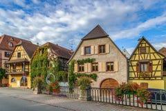 Calle en Bergheim, Alsacia, Francia Imagen de archivo