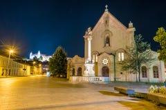 Calle en el centro histórico de Bratislava en Eslovaquia Imágenes de archivo libres de regalías
