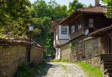 Calle en el pueblo de Balcan Imagen de archivo libre de regalías