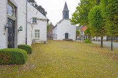 Calle en el pueblo histórico de Stevensweert Fotografía de archivo libre de regalías
