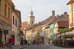 Calle en la ciudad de Brasov Foto de archivo