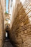 Calle en la ciudad vieja de Córdoba Imagen de archivo libre de regalías