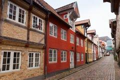 Calle en la ciudad vieja de Flensburg, Alemania Imagenes de archivo