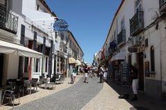 Calle en la ciudad vieja de Lagos, Portugal Imagen de archivo libre de regalías