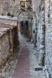 Calle en la ciudad vieja Eze en Francia Foto de archivo