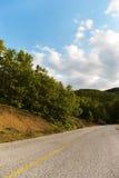 Calle en la montaña Foto de archivo libre de regalías