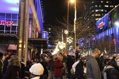 Calle en la noche, Seattle WA de la ciudad imágenes de archivo libres de regalías