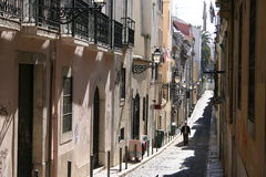 Calle en Lisboa Imágenes de archivo libres de regalías