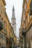 Calle en Módena, Italia Fotografía de archivo