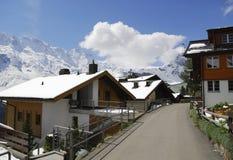 Calle en Murren, montan@as suizas Foto de archivo libre de regalías